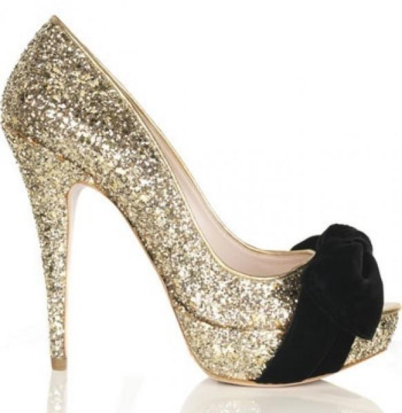 Красивая обувь на шпильке
