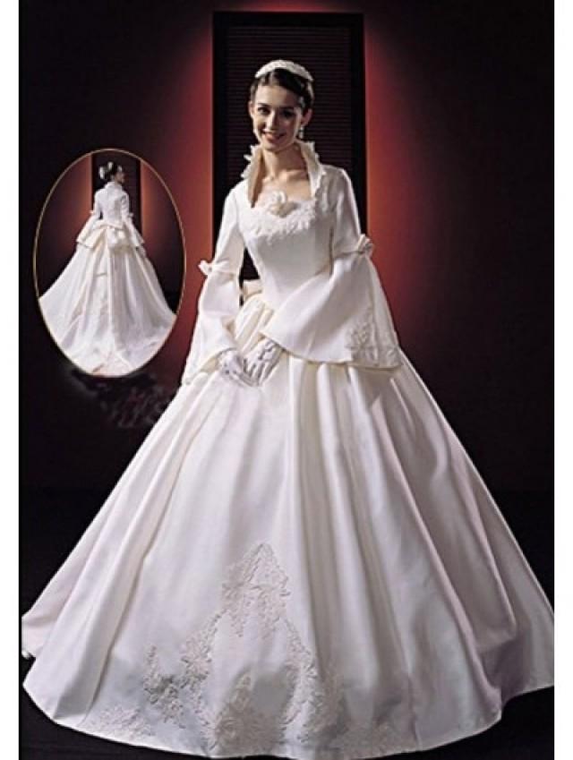 wedding photo - Princess Vintage Victorian Wedding Dress