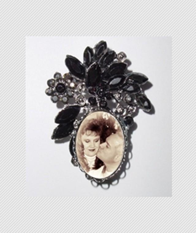 wedding photo - Memorial Photo Brooch Black Gems Old World - FREE SHIPPING