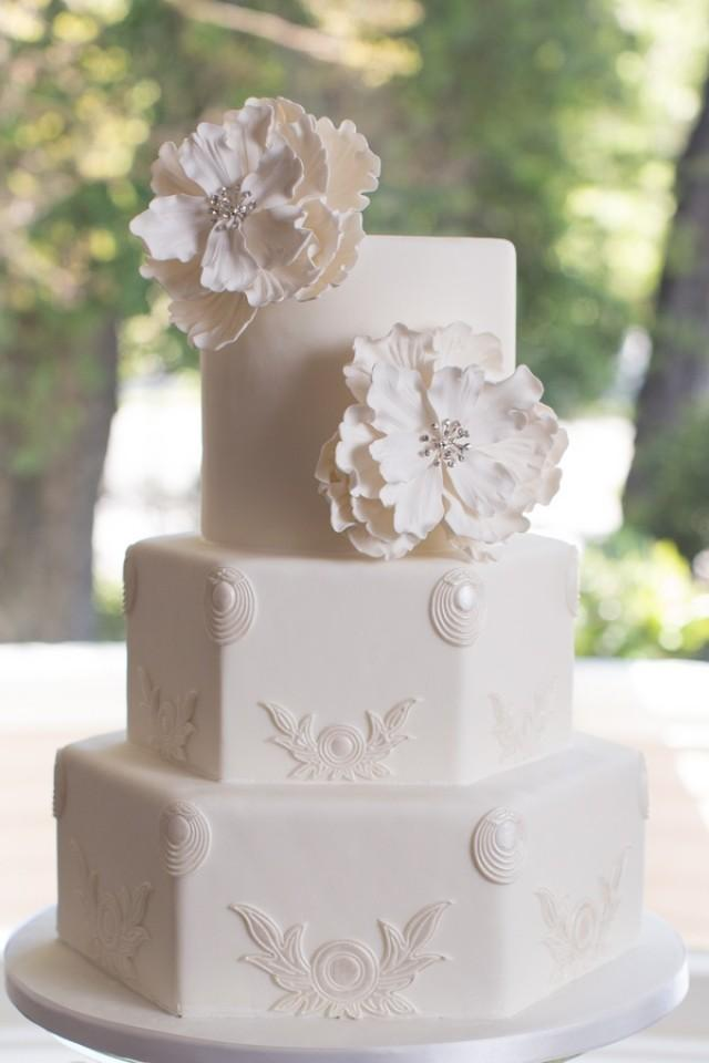 Classic Wedding Cakes With A Modern Twist Weddbook