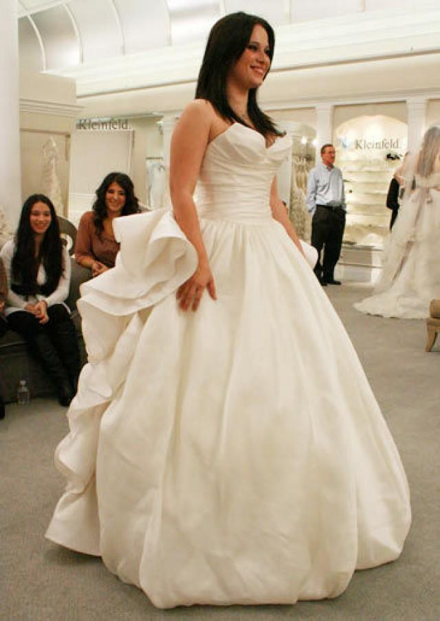 Should i buy a used wedding dress 4 things to consider for When to buy wedding dress