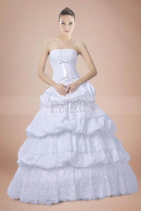 Ball gown princess taffeta strapless wedding dress with for Strapless princess ball gown wedding dresses