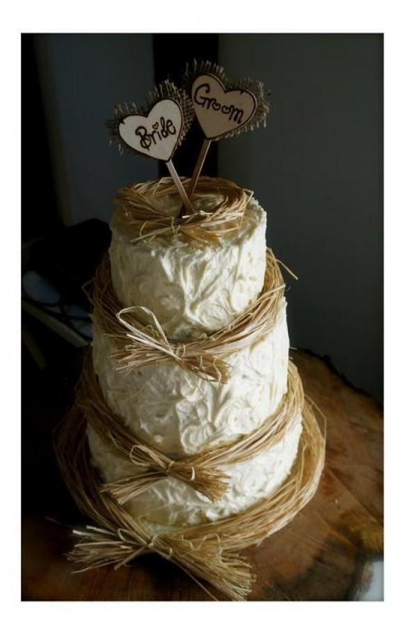 wedding photo - Rusting Wedding Cake with Buttercream