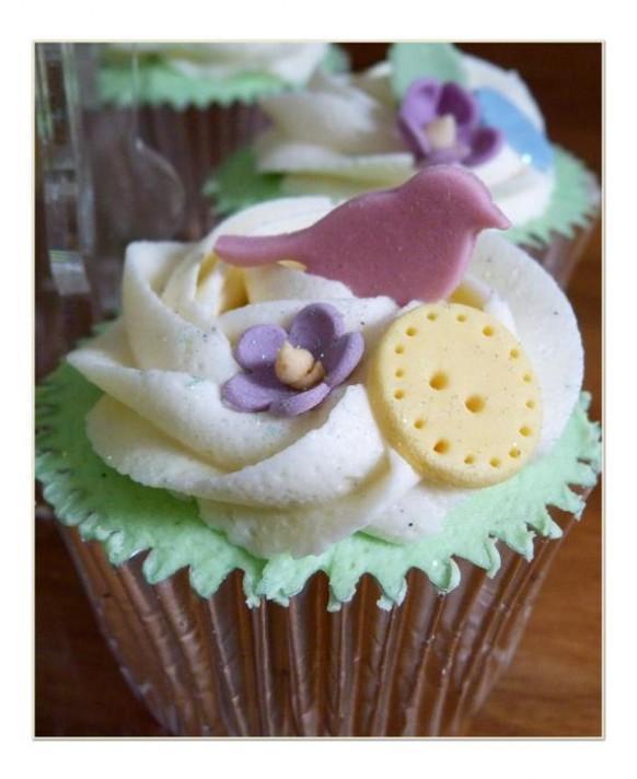 wedding photo - Birds and Buttons Wedding Cupcakes