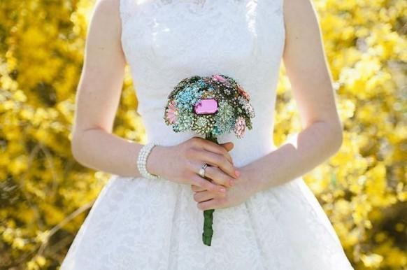 Non-Floral Wedding Bouquets - Weddbook