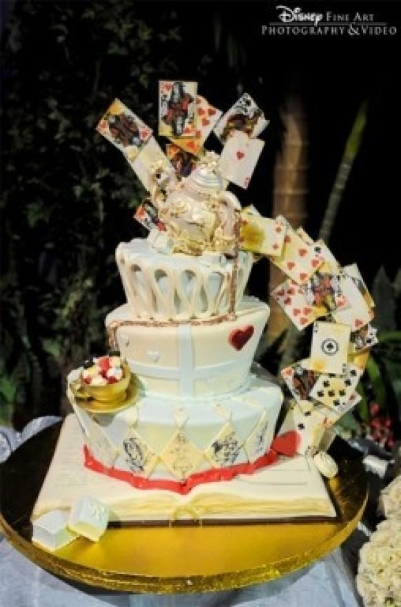 Themed Weddings Alice In Wonderland 1990372 Weddbook