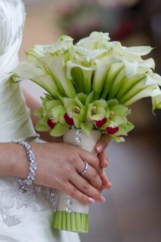 Wedding bouquet calla lily orchid