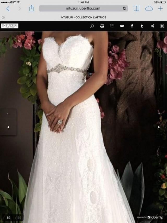 wedding photo - sweetheart neckline