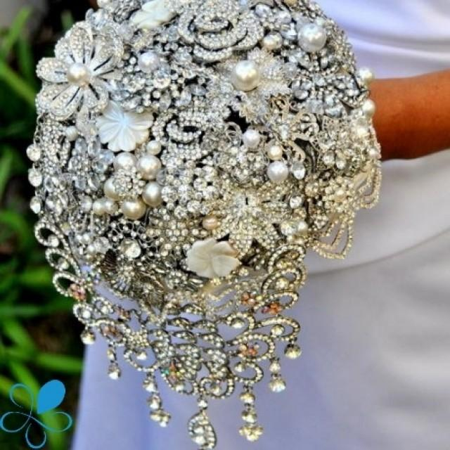 how to make a brooch bouquet with flowers