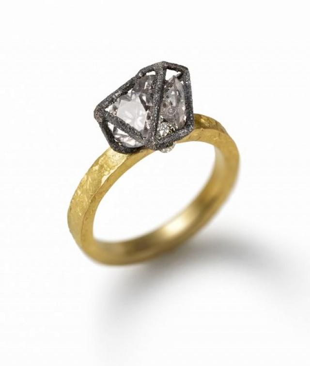 Modern Style Engagement Rings: Modern Engagement Ring Styles #2040387