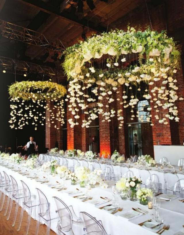 Of Wedding Cake Tables Wedding Cake With Fresh Flowers Vanilla Custard