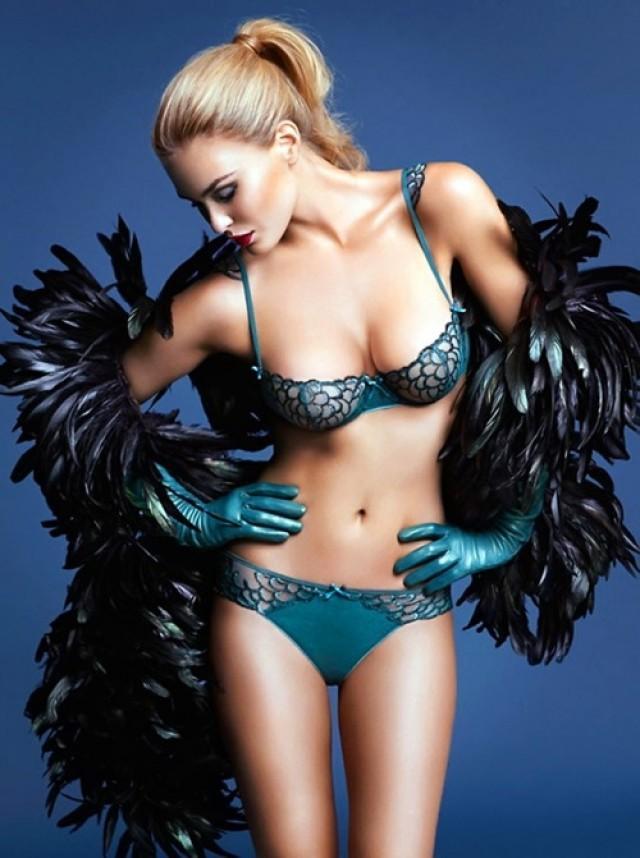 Фото модели нижнего женского белья