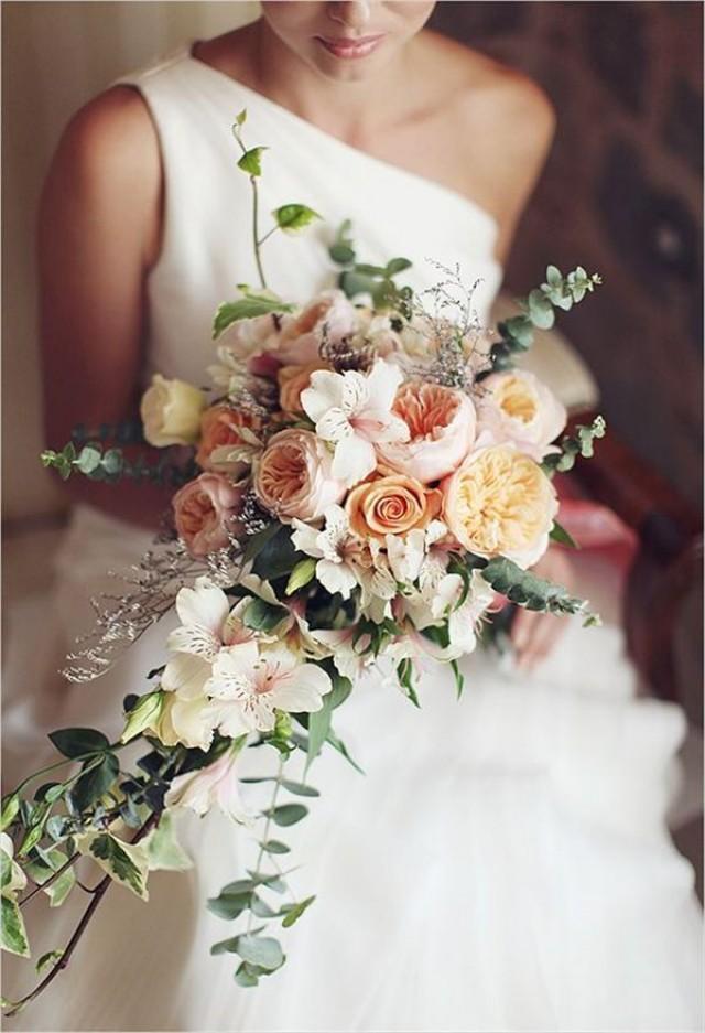 Wedding Bouquets That Are Not Flowers : Rose wedding loose cascade weddbook