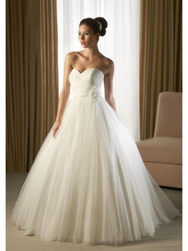 A line strapless sweetheart neck sweep trailing tulle for A line sweetheart tulle wedding dress