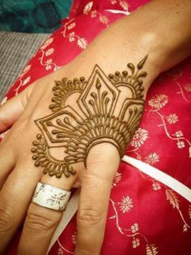 Henna Tattoo Yuba City : Perfect minimal mehendi design makedes