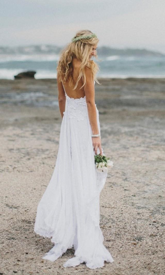 Stunning low back white lace wedding dress dreamy floaty for Lace low back wedding dress