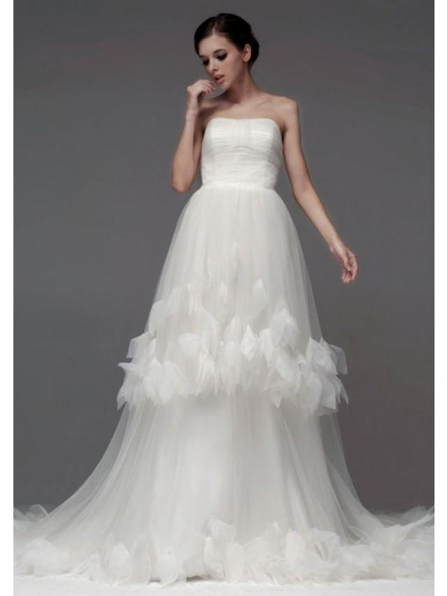 wedding photo - A-Line Strapless Chapel Trailing Tulle With Flowers Wedding Dresses