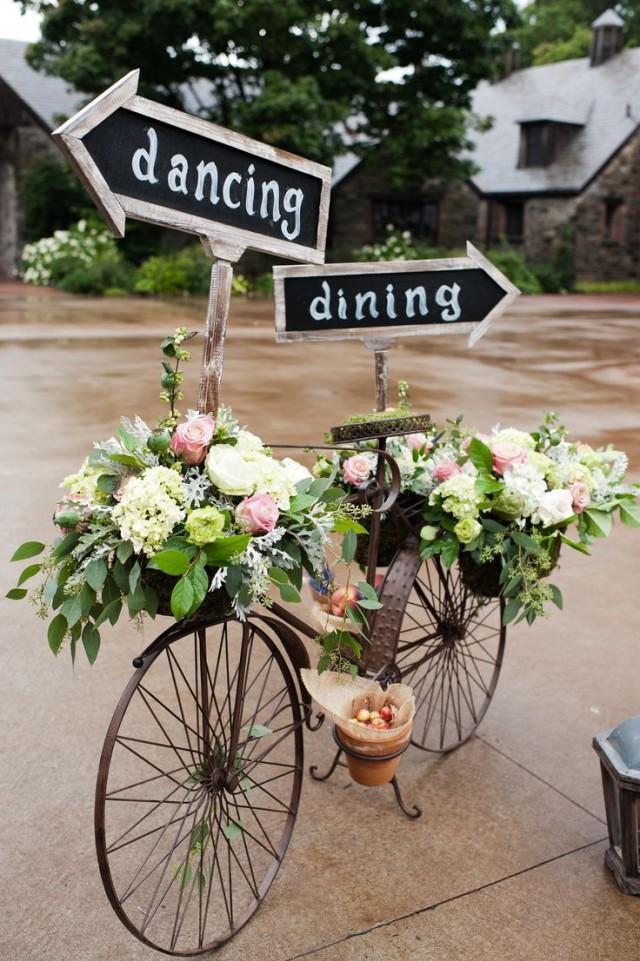 Stylish vintage wedding