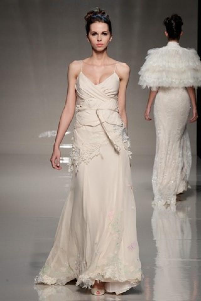 Best designer wedding dresses vera wang more for 2 in 1 wedding dress designers