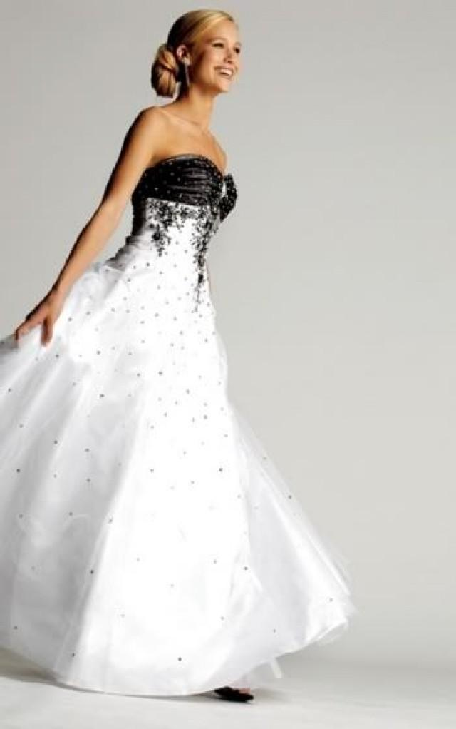 Black And White Wedding Dress 2056900 Weddbook
