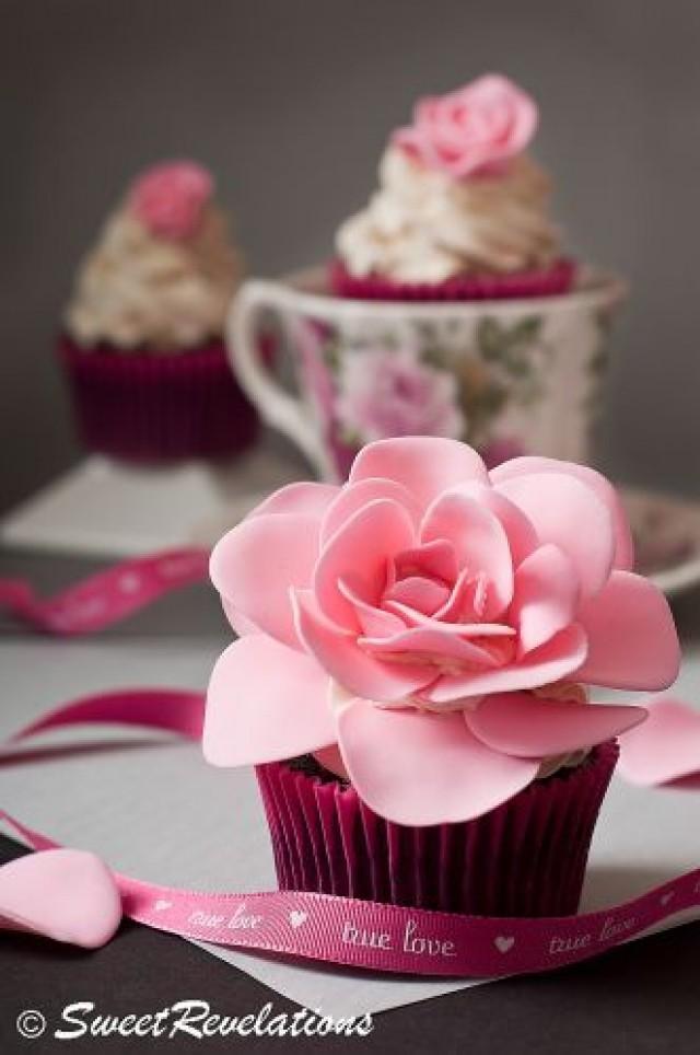 hochzeits cupcakes rose cupcake 2056957 weddbook. Black Bedroom Furniture Sets. Home Design Ideas