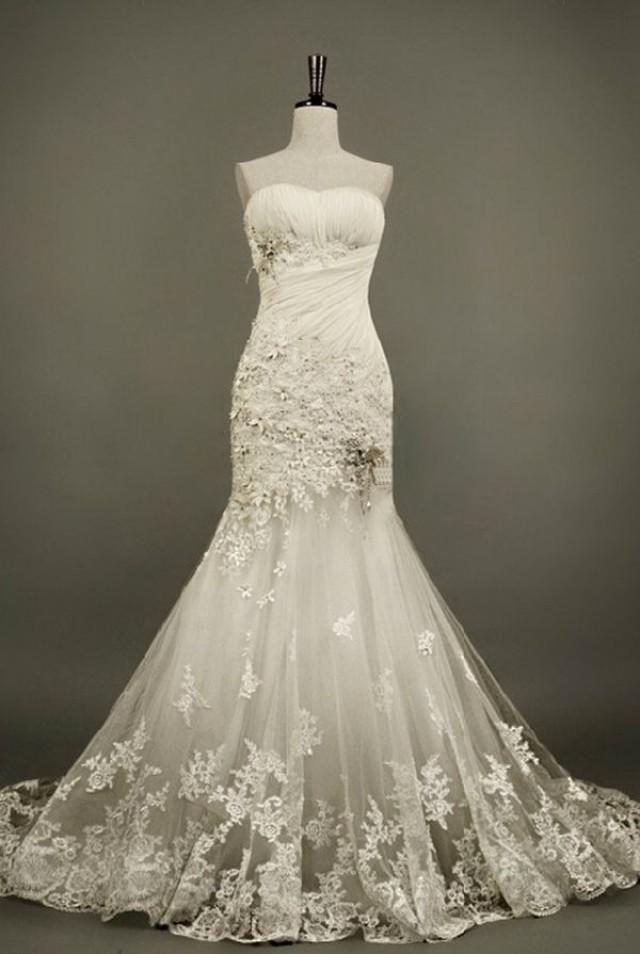 Vintage wedding gorgeous vintage lace wedding gown for Vintage lace wedding dress pinterest