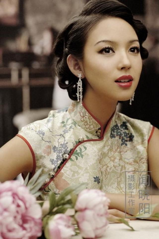 Updo Hair Model - Traditional Chinese Wedding #2061182