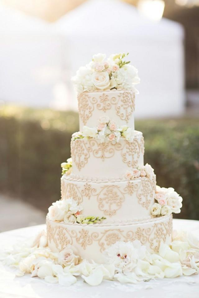White Gold Wedding Cake With Flowers Foto Artis - Candydoll