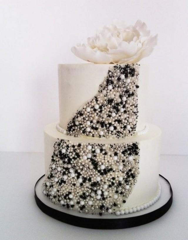 5 Hottest Wedding Cake Types Of 2014