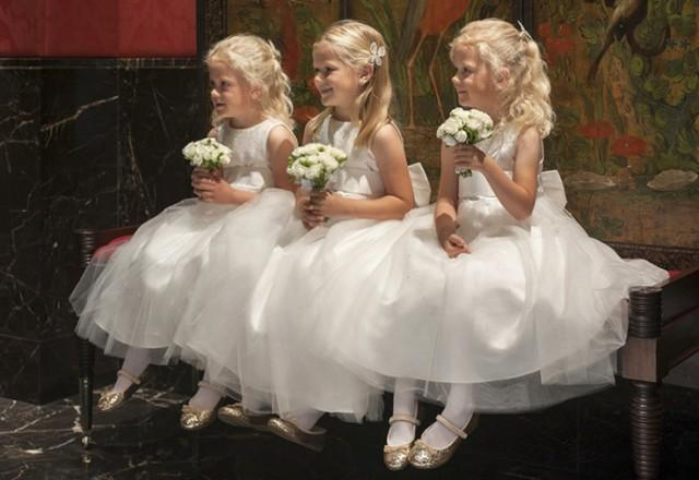wedding photo - Flowers Girls And Page Boys