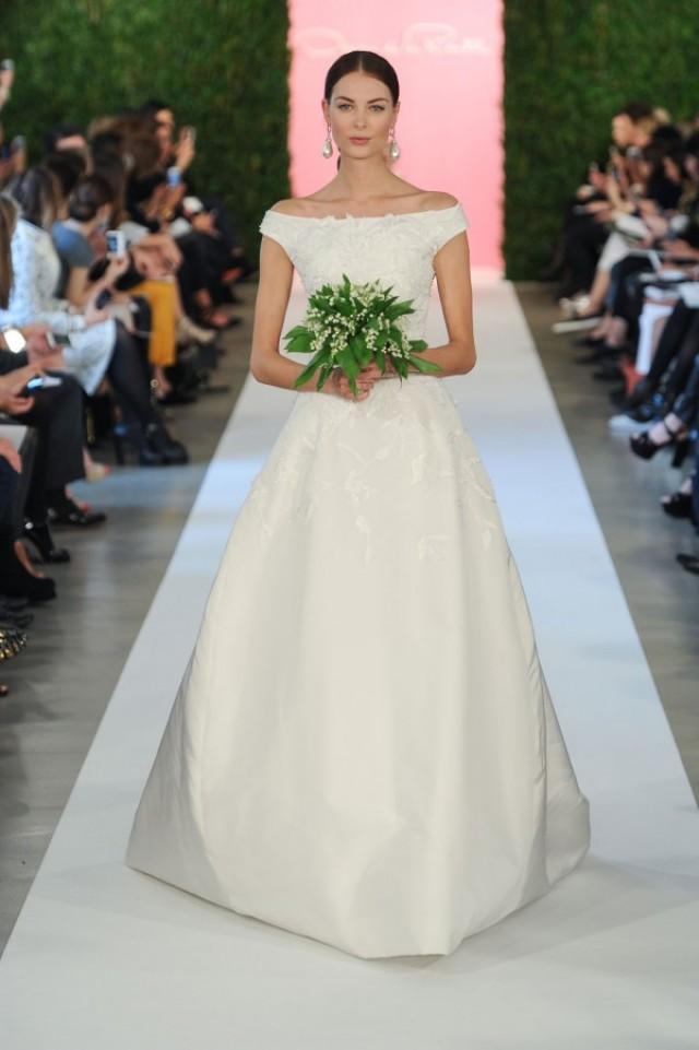 Oscar de la renta spring 2015 wedding dresses weddbook for De la renta wedding dresses