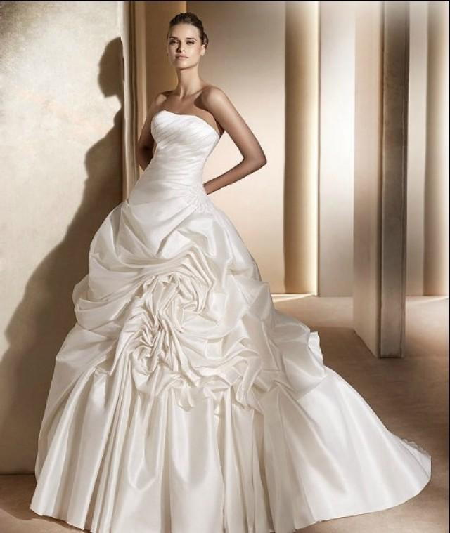 wedding photo - Strapless Chapel Train Ball Gown Satin Wedding Dress(WD0083)