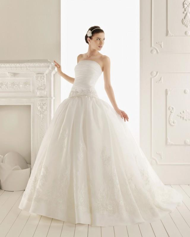 wedding photo - Ball Gown Strapless Appliqued Woth Satin Wedding Dress with Beading(WD0118)
