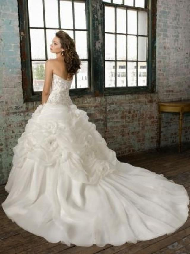 wedding photo - The Beautiful Wedding Dress