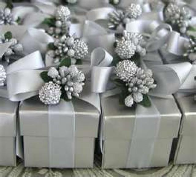 Silver Wedding - Gift Wrapping #2080867 - Weddbook
