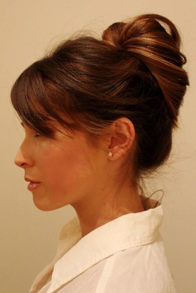 офисная прическа на средние волосы фото
