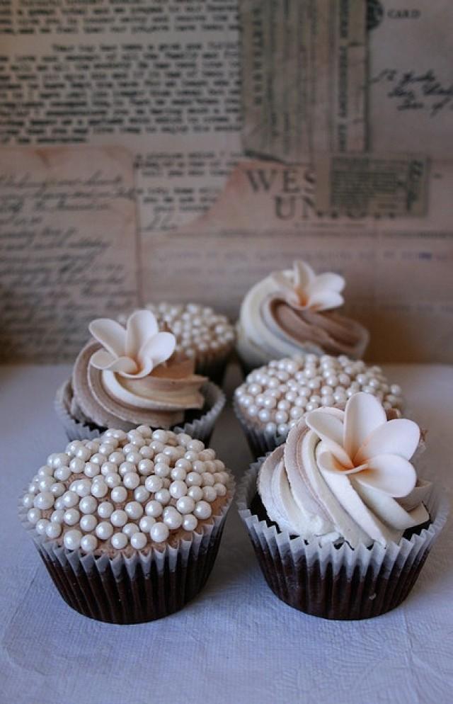hochzeits cupcakes hochzeit cupcakes 2081790 weddbook. Black Bedroom Furniture Sets. Home Design Ideas