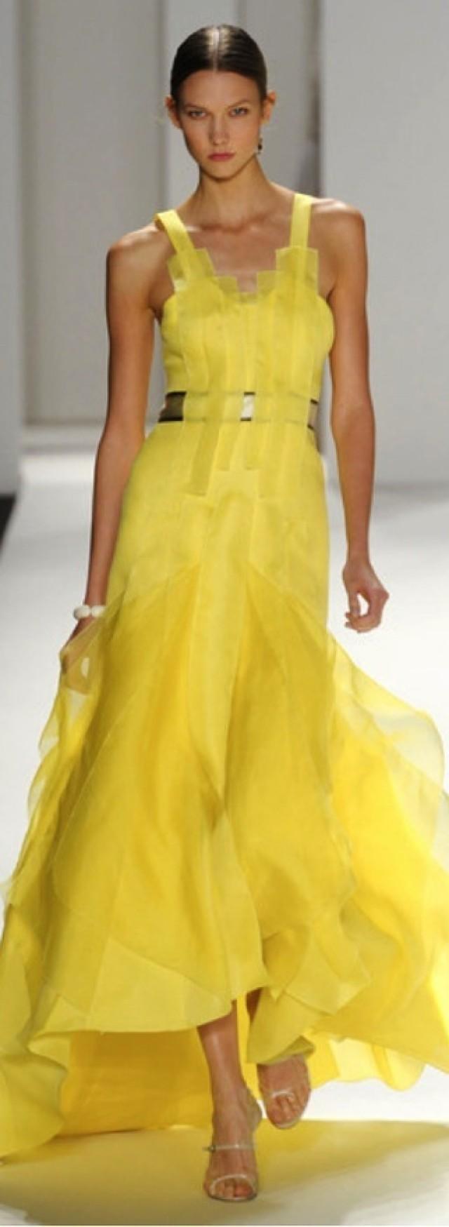 gelbe hochzeits kleider sehnsucht yellows 2087582. Black Bedroom Furniture Sets. Home Design Ideas