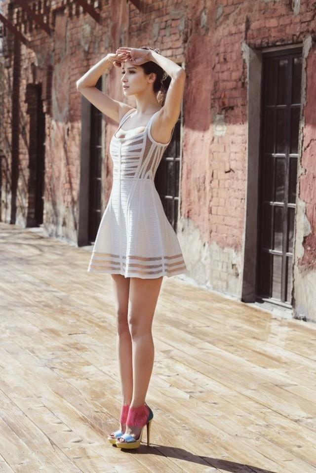 Картинки девушек в коротком платье