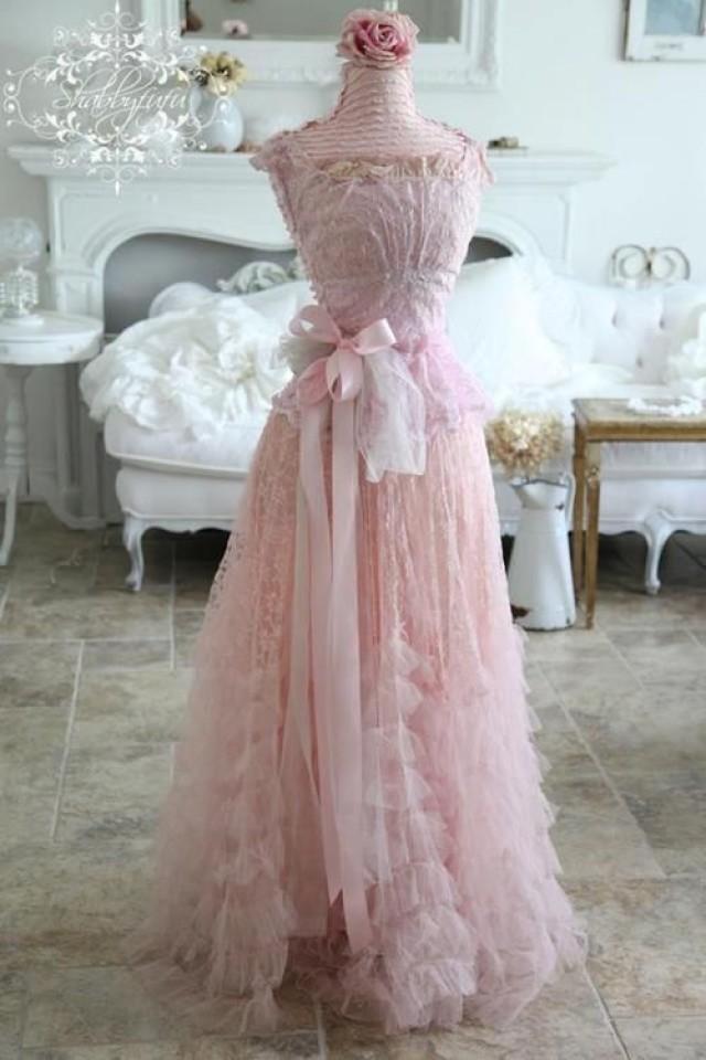 Shabby wedding shabby chic wedding 2095486 weddbook for Wedding dresses shabby chic