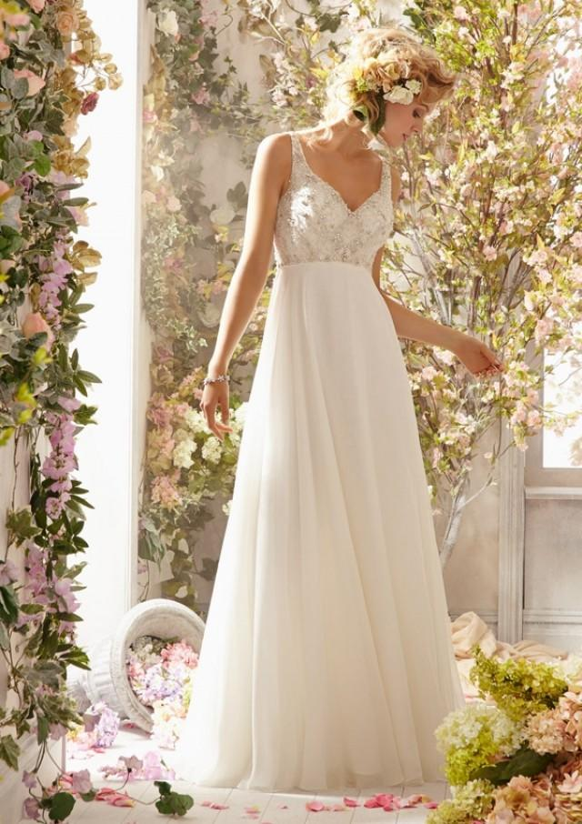 wedding photo - Crystal Beading Design On Delicate Chiffon Wedding Dresses(HM0239)