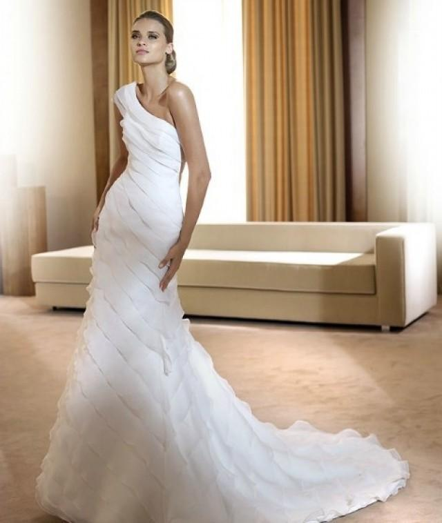 wedding photo - One-shoulder Chapel Train Sheath Organza Wedding Dress(WD0577)