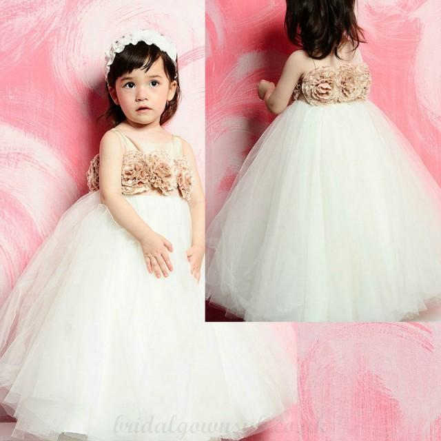 wedding photo - Graceful Scoop Neck Sleeveless Hand Made Floral Bodice Floor Length Tulle Flower Girl Dress