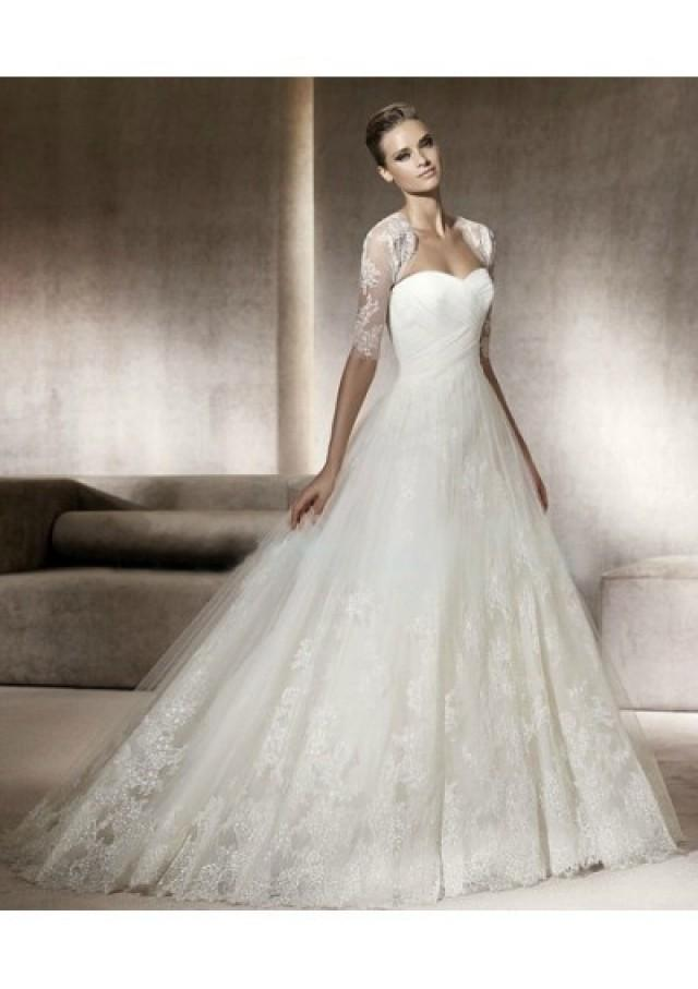 wedding photo - Tulle Strapless Sweetheart Neckline With A-line Draped Skirt With Chapel Train 2012 Wedding Dress WD0049