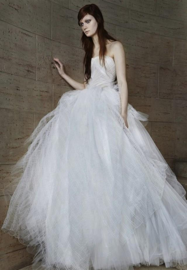 Vera Wang Spring 2015 Wedding Dress Collection | Weddingomania ...