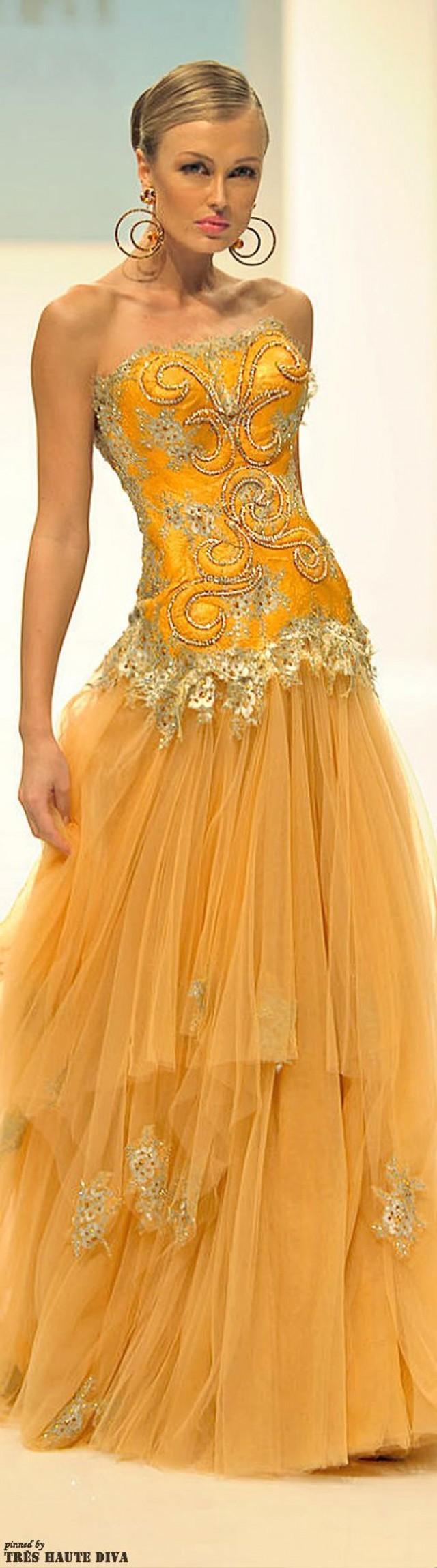 gelbe hochzeits kleider sehnsucht yellows 2104225. Black Bedroom Furniture Sets. Home Design Ideas