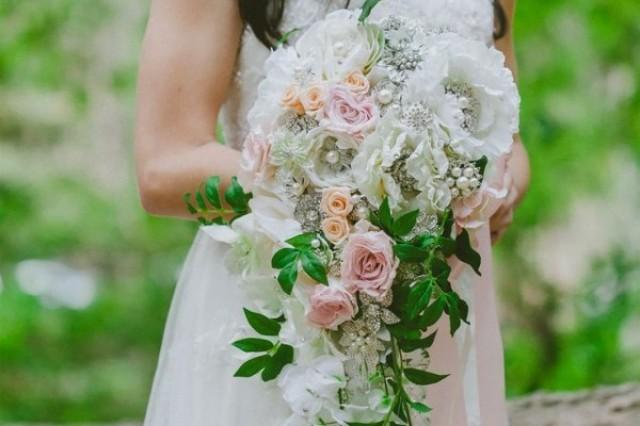 quelles fleurs quelle saison pour organiser mon mariage weddbook. Black Bedroom Furniture Sets. Home Design Ideas