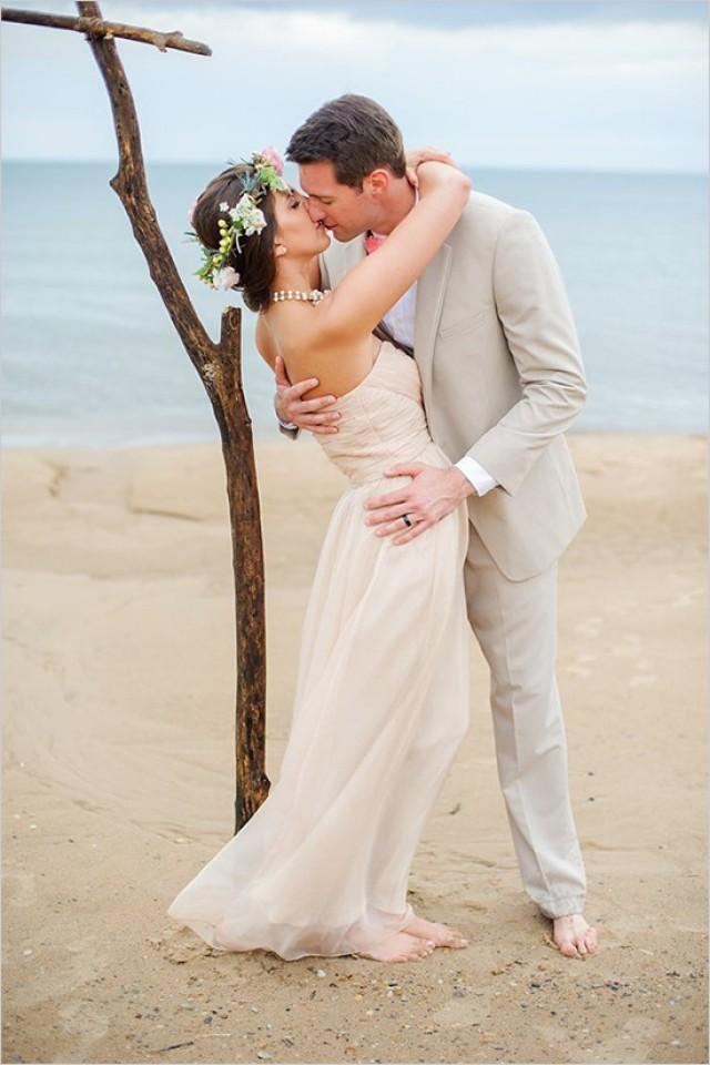 the perfect beach wedding in chicago weddbook. Black Bedroom Furniture Sets. Home Design Ideas