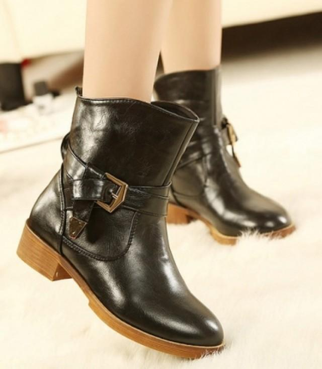 wedding photo - Korean Style Metal Embellished Thick Heel Short Boot Black BT0598