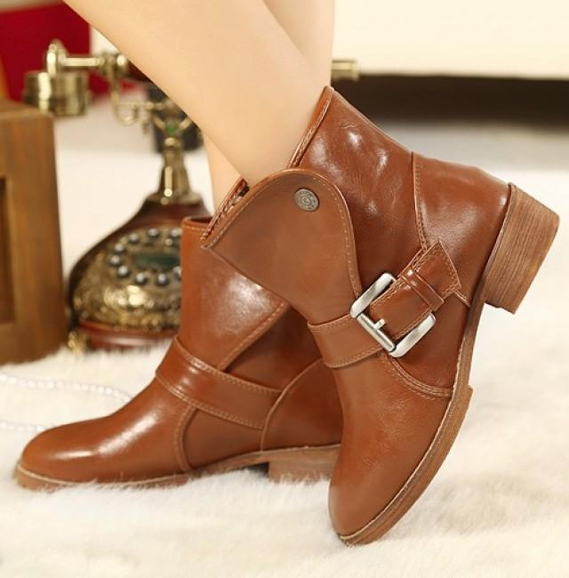 wedding photo - Korean Style Preppy Thick Heel Shoes Flat Boot Black BT0594